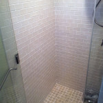 White grout helped the creamy color of these tiles really pop.